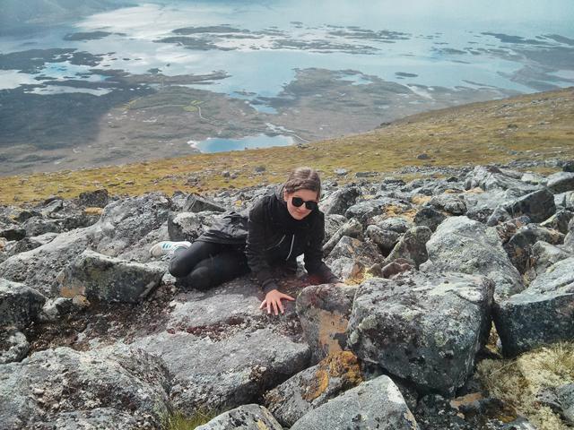 Bild: Auf diesem losen Steinhaufen fühle ich mich für einen kleinen Moment mal nicht so, als müsste ich sofort sterben.